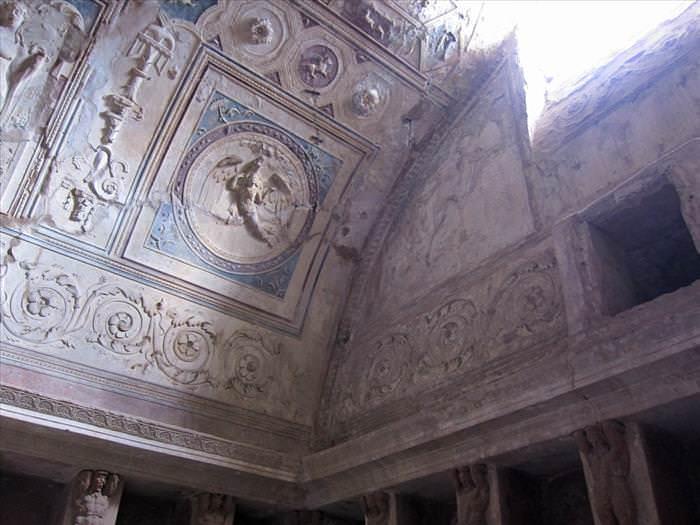 Lo Que Debes Ver En Las Ruinas De Pompeya La casas de baños en el interior