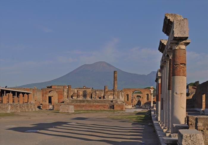 Lo Que Debes Ver En Las Ruinas De Pompeya El foro