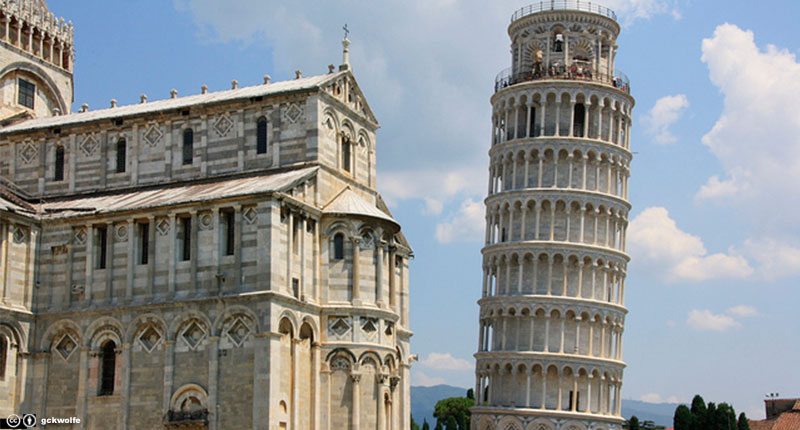 La torre inclinada de...