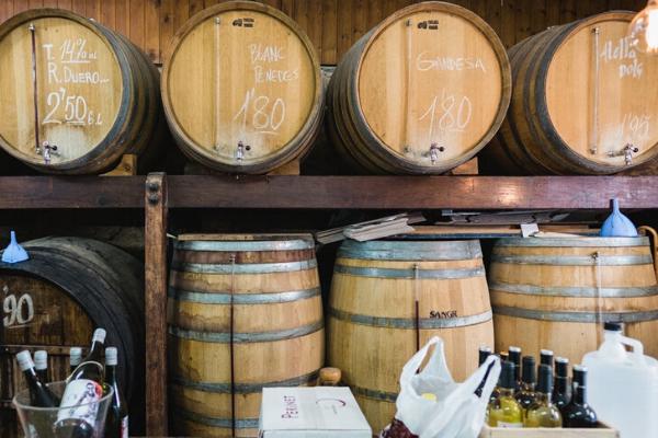 Comprar vino de Granel  en nuestro bar de vinos y tienda de vinos en Barcelona