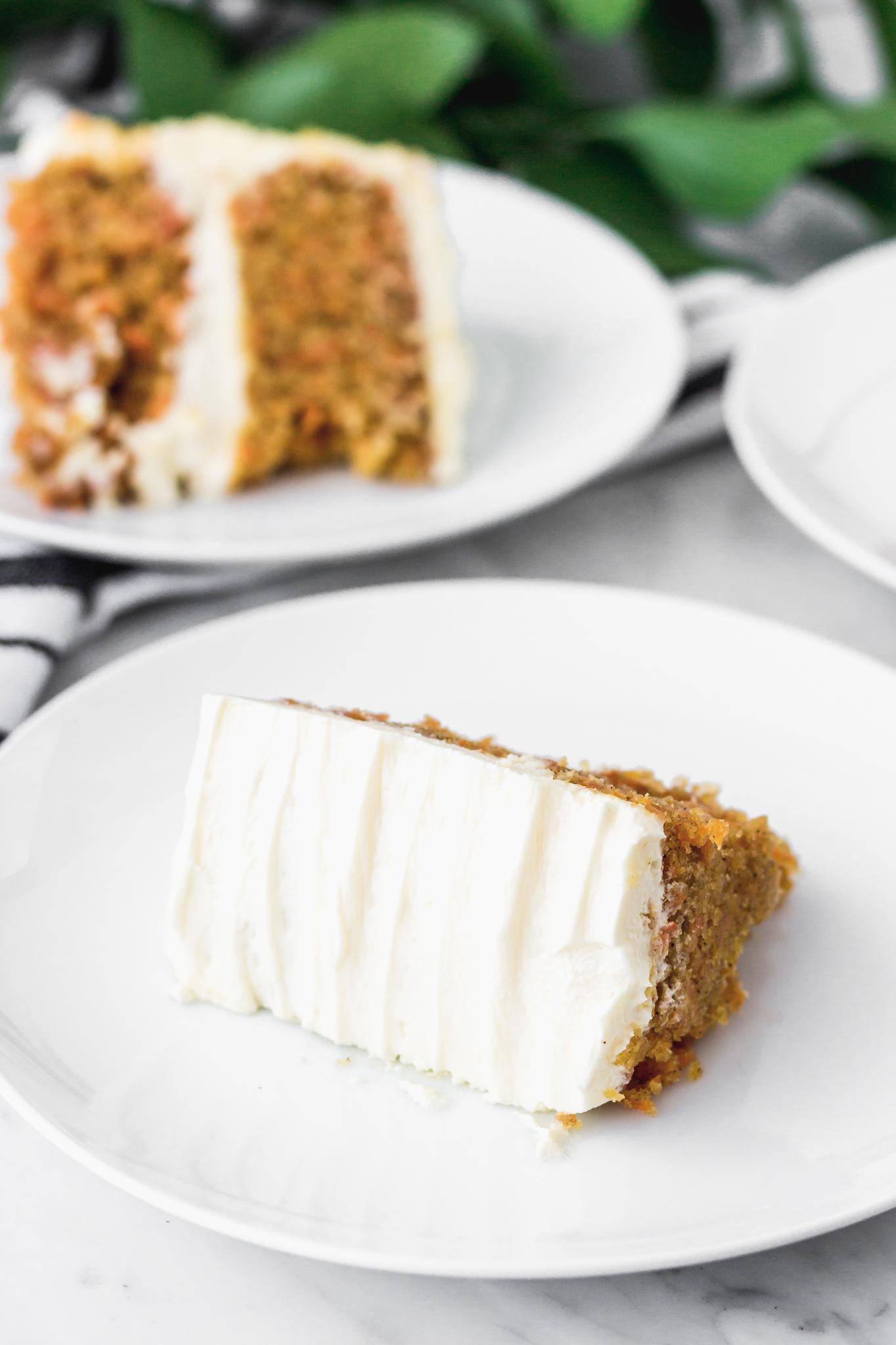 Carrot cake o torta de zanahoria con frosting de queso crema