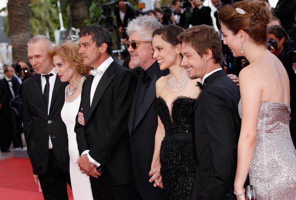 Almodóvar presenta en Cannes 'La piel que habito' actores