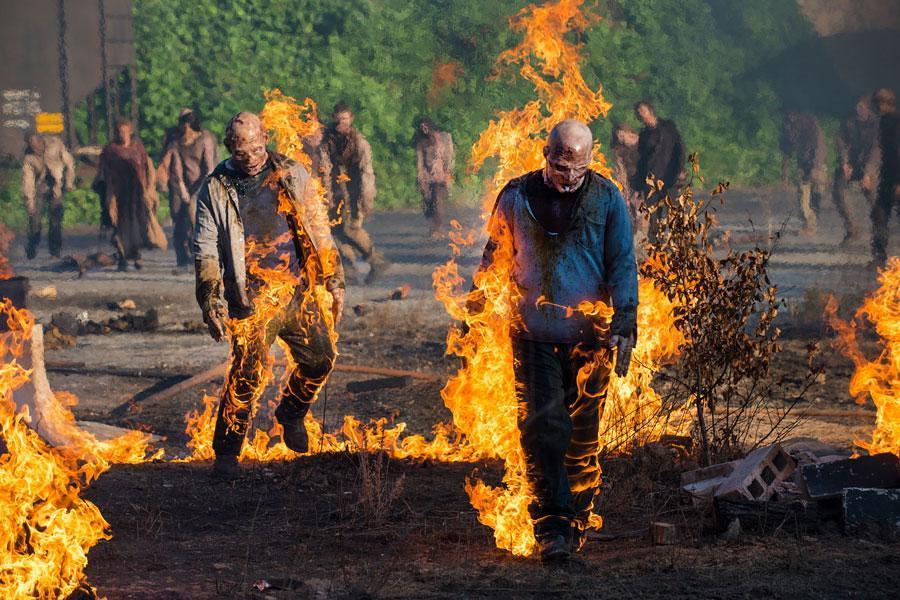 zombies ardiendo