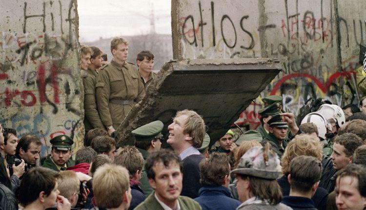 Momento de la Caída del Muro de Berlin Berlin-dias-caida-muro_TINIMA20111109_0492_3