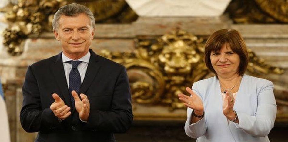 El presidente argentino y su ministra de Seguridad, Patricia Bullrich. (Twitter)