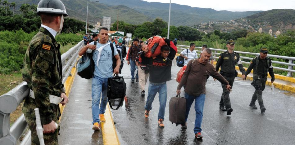 con la profundización de la crisis en el país gobernado por Nicolás Maduro, la emigración se ha desatado increíblemente (Twitter)