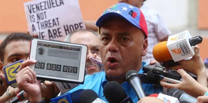 """Al frente de la recolección de firmas está Jorge Rodríguez, uno de los presuntos respojnsables de la """"lista Tascón"""" (Bachaconews)"""
