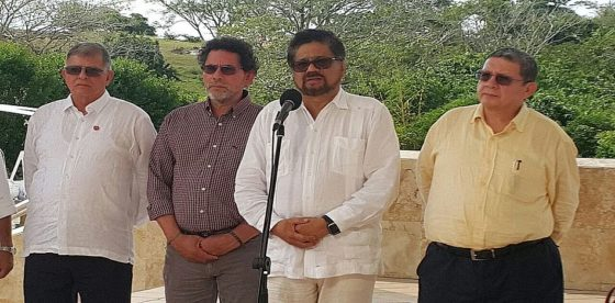 FARC rechazaron panfleto de Clan del Golfo que anuncia ataques a sedes de su partido