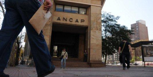 La condonación de la deuda de la petrolera de Uruguay ha devenido en aumentos de servicios y de impuestos para todos los ciudadanos. (El Observador)