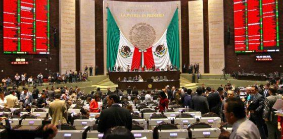 Esclerosis burocrática: altos funcionarios de México y Colombia ganan mejor que en Suiza