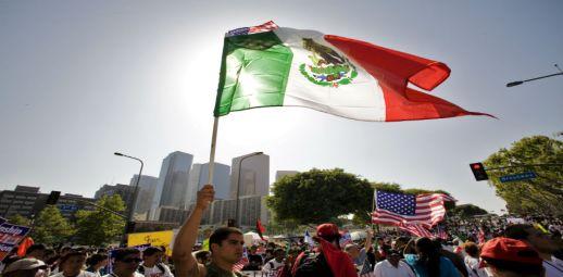 Ruiz Massieu instó a los diplomáticos para que se prepararen para un posible aumento de la asistencia consular (La dobe)