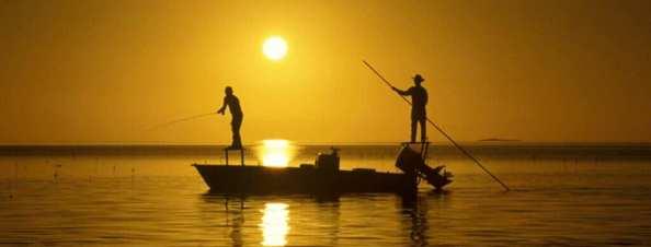 Pescadores, mar, atardecer, pescando, bote
