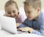 Menores de edad navegando, redes sociales, internet