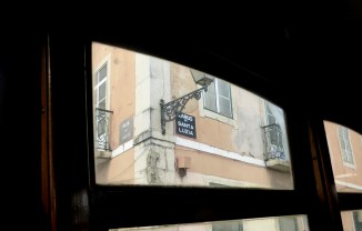 lisbon_tram28_largodesantaluzia_sign
