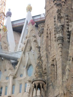 barcelona_sagradafamilia_det_old&new