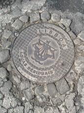 lisbon_manhole_nearmercado2