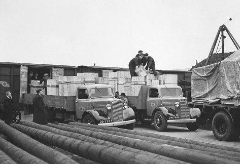 Commer Trucks 1946 and 1948 reg. ZD 5974 & ZH 7486