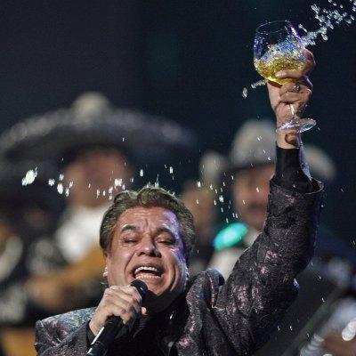 #AmorEterno: Murió el legendario cantautor mexicano Juan Gabriel