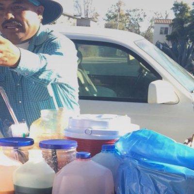 Este mexicano tuvo una brillante idea para vender sus elotes