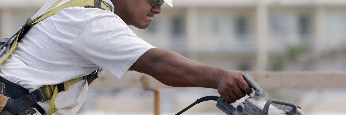 #Burro: Gracias a la industria de la construcción hay más empleos, pero Trump puede arruinarla