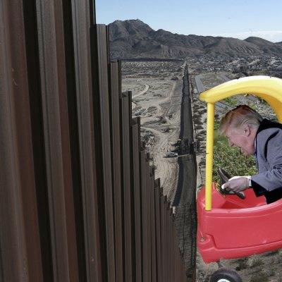 #Iluso: Tres razones por las que Trump se estrelló contra su propio muro
