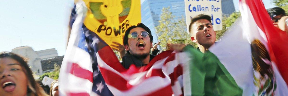 """#Chantaje: Trump ofrece un camino a la ciudadanía para los """"Dreamers"""" a cambio del muro"""