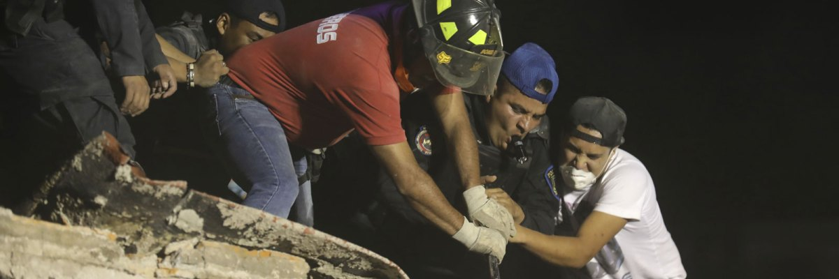 #Invencibles: Los mexicanos han logrado rescatar a 52 personas con sus propias manos