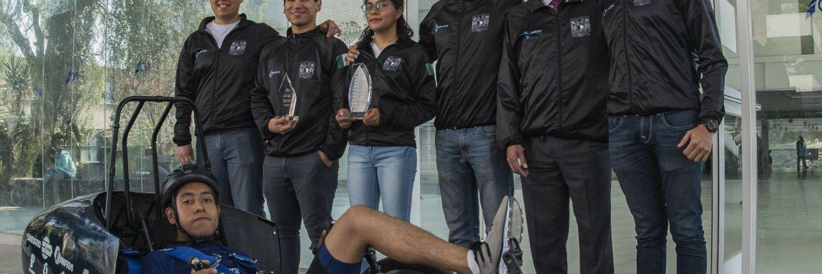 Estudiantes ganan competencia internacional con auto mexicano