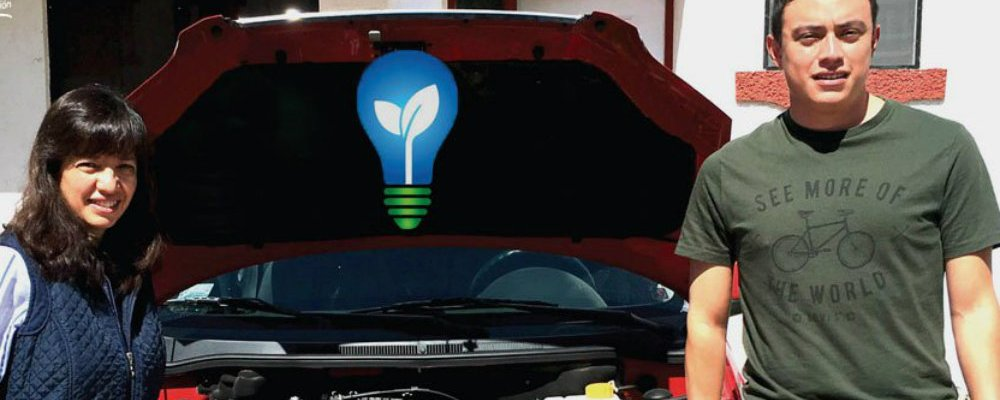 Joven mexicano crea aparato para que los autos gasten menos gasolina