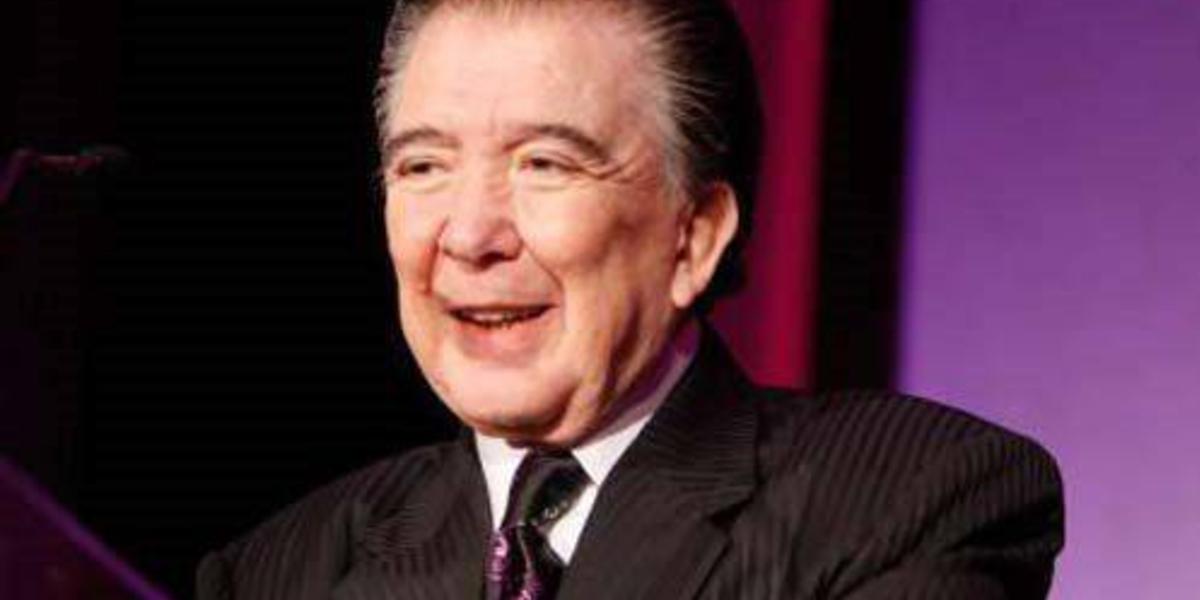 Lo que debes saber de Roberto Cantoral, cantante y compositor 100% mexicano
