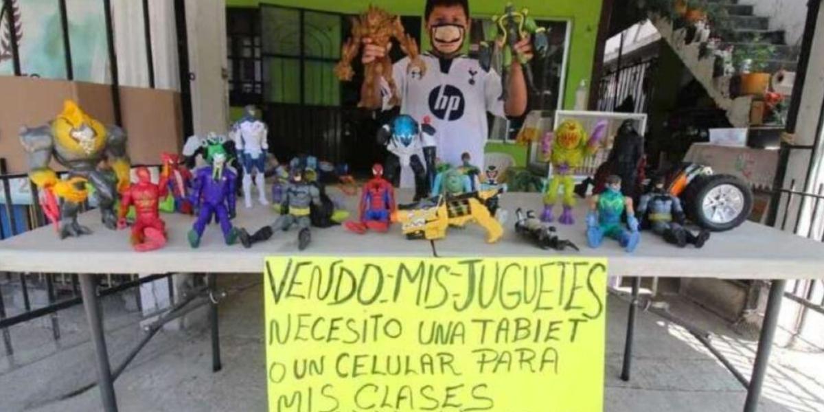 Niño vende sus juguetes para comprar una tablet y seguir estudiando durante la pandemia