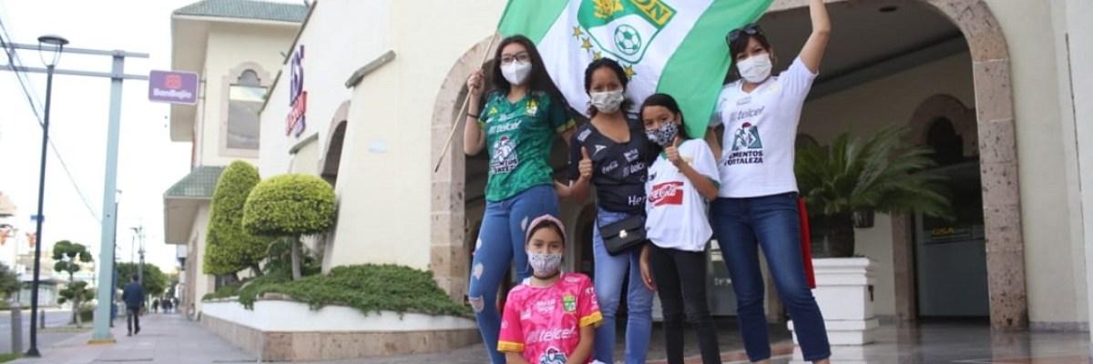 VIDEO | Niños visitan a su abuelo fallecido para celebrar el campeonato del León