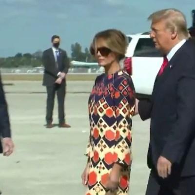 Melania le hace el feo a Trump al llegar a Florida