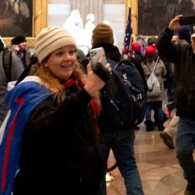 Mujer que ingresó al Capitolio pide permiso para vacacionar en México