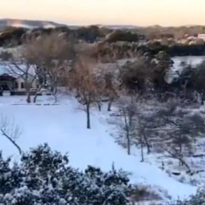 Tormenta invernal en Texas deja a miles de hogares sin luz