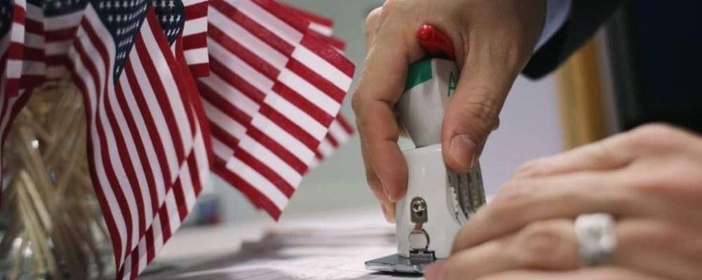 Mexicano descubre que nació en EE.UU. a unos días de ser deportado