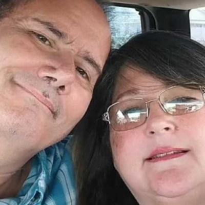 Mujer con COVID-19 sale del hospital y encuentra muerto a su esposo