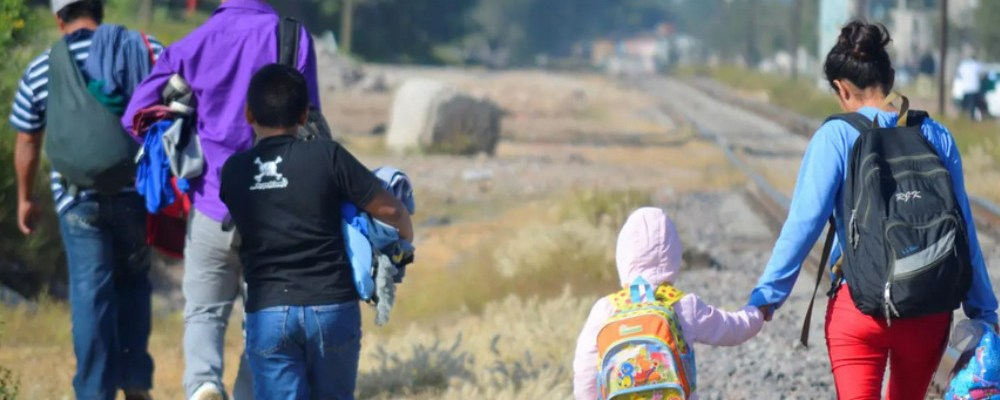 Migrantes expulsados de EU son víctimas de violencia en México
