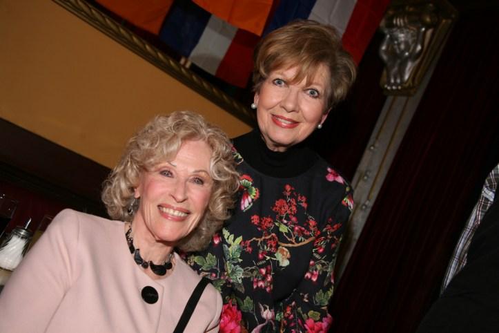 PR Photoset OGAE Germany Clubtreffen 2019 Muenchen - Bibi Jones mit Freundin Caroline Reiber