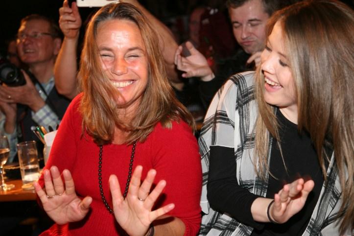 PR Photoset OGAE Germany Clubtreffen 2019 Muenchen - Marie Theres und Ailhbe rocken zu Wir geben ´ne Party