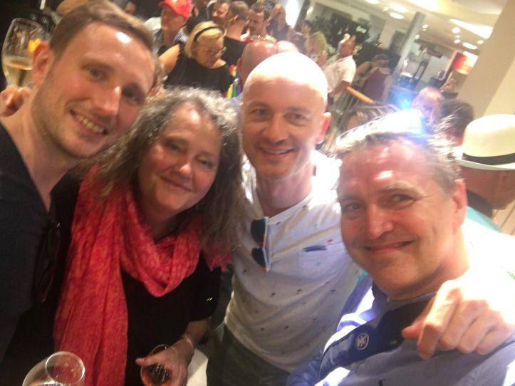 CSD HH 2019 mit ESC kompakt Dancefloor Veuve Clicquot im Alsterhaus mit Krissi Carola DJ Douze Points Blogger Peter