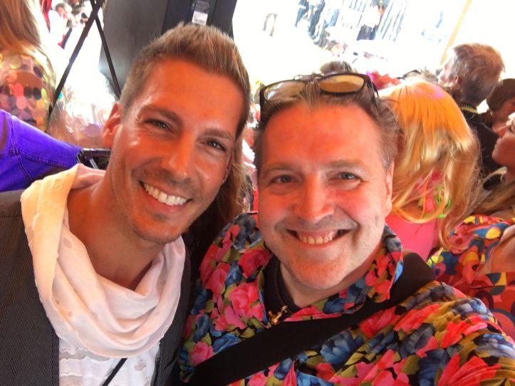 Selfie von ESC komptakt Blogger Peter auf dem Schlagermove mit Norman Langen auf dem Truck von Rotkaeppchen Mumm