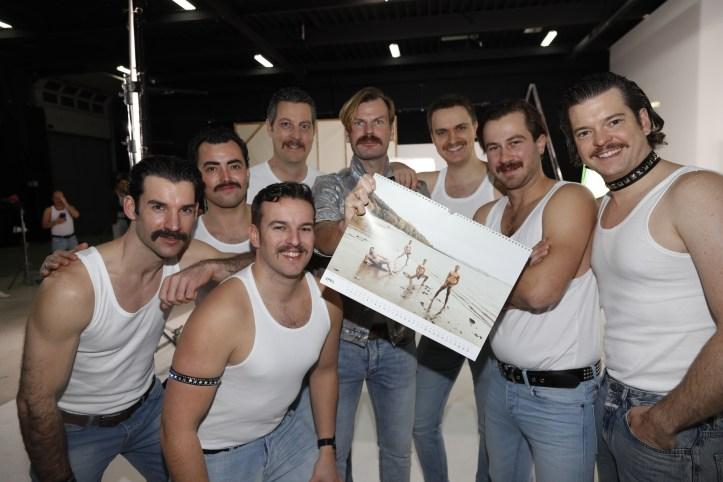 DHG Mr Mercury Videodreh 8x Goldkehlchen als Freddy und 4x Goldkehlchen nackt an der Elbe