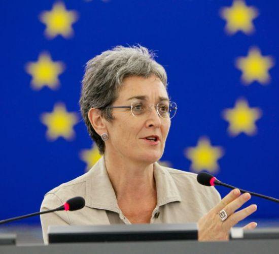 Zv/presidentja Parlamentit Europian: Ju lutem mos e prekni Vjosën, ndërtoni HEC-e të tjera, Monitor, 12/04/2017