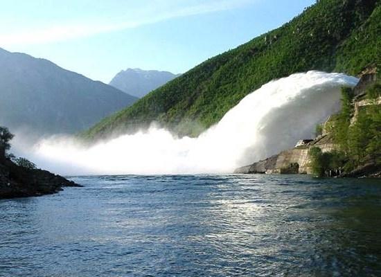 Albania, indetta gara per costruzione di centrale idroelettrica, Italian Network, 29 Maggio 2017