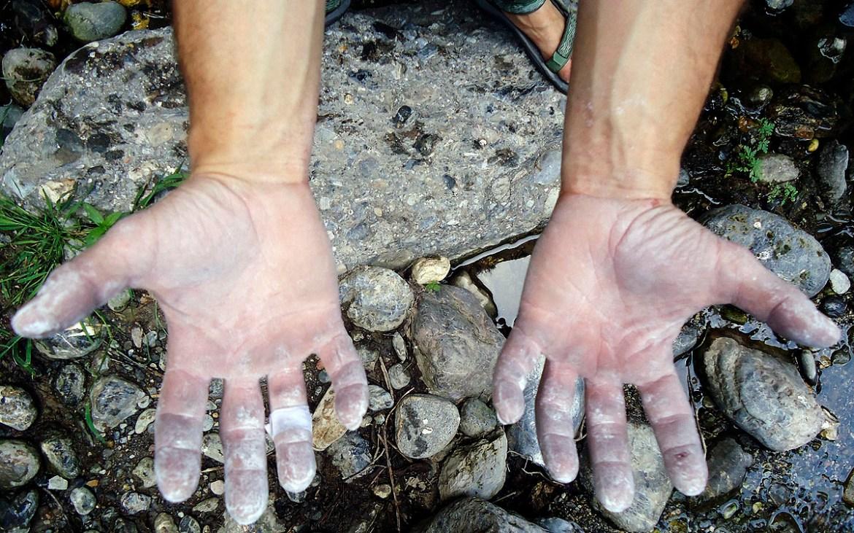 Cuidar las manos tras escalar nos ayudará a escalar mejor al día siguiente