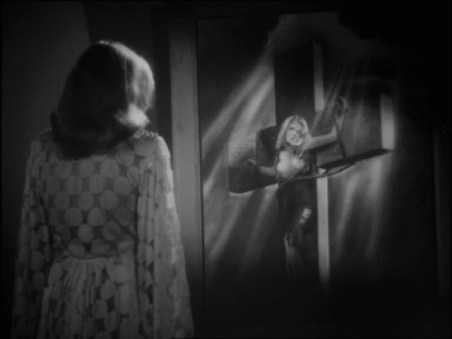"FIGURA 19 - Still do filme ""Rakkauden risti"" (""A Cruz do Amor""), de Teuvo Tulio (1946)"