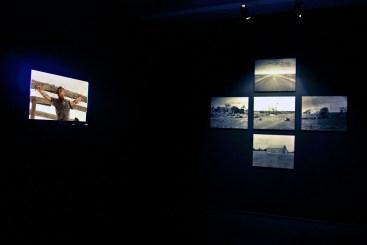 """FIGURA 215 - """"James Dean Jesus"""", instalação de John A. Douglas (Chalk Horse gallery, 2007)"""