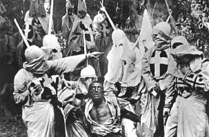 "FIGURA 74 - Still do filme ""Intolerance"", de D. W. Griffith (1916)"
