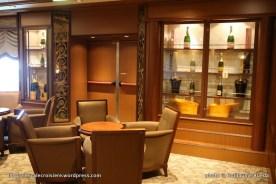 Queen Elizabeth - Veuve Clicquot Champagne bar